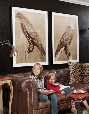 kids-in-living-room-history-1109-de