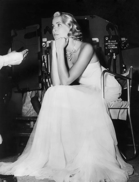 grace kelly to catch a thief blue dress. Playing dress-up…