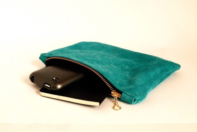 blue-suede-clutch-3