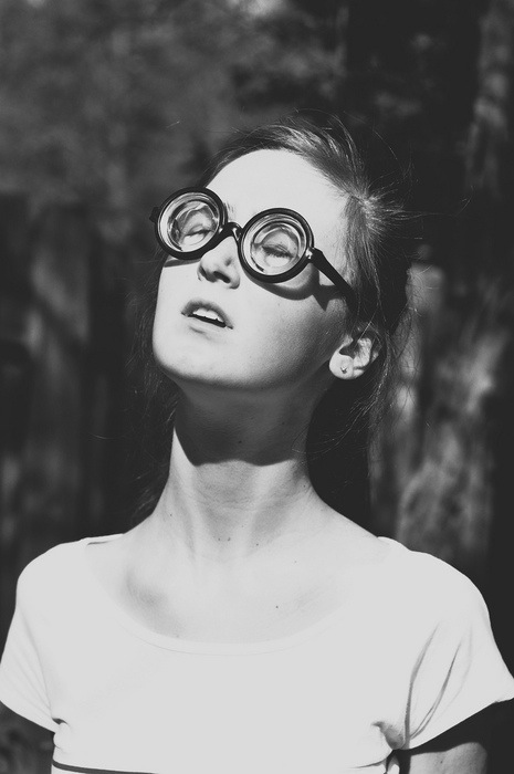 girl-funny-glasses