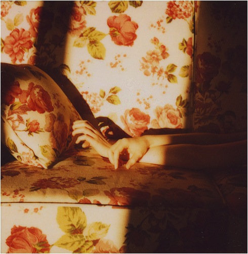hands-couch-sofa-floral