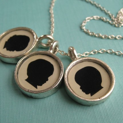 silhouette-necklace-3