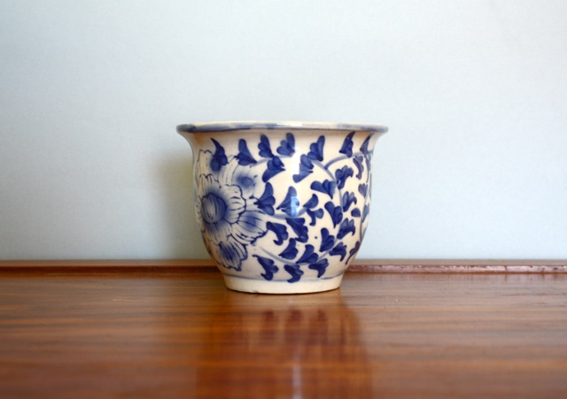 blue-white-planter-1