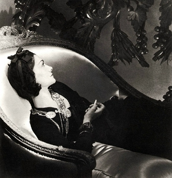 coco_chanel_by_horst_reclining-home-apartment