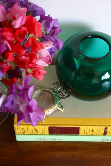 green-glass-vase-2
