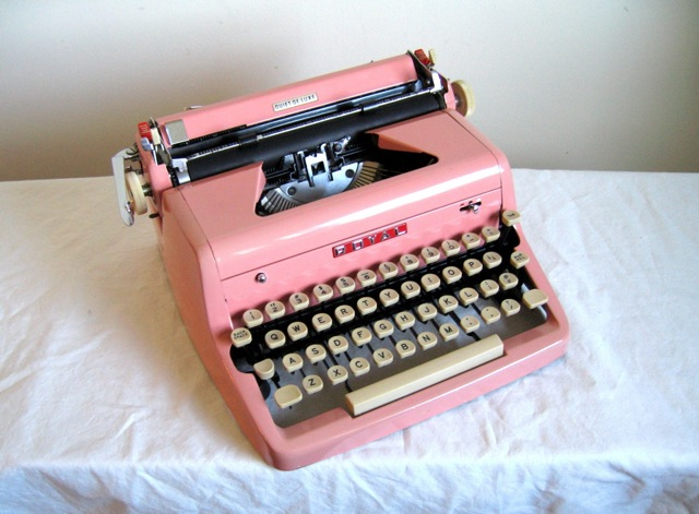 pink-royal-typewriter-2