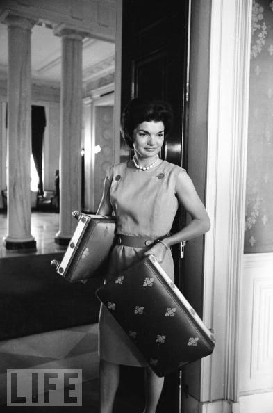 jacqueline-jackie-kennedy-white-house-restoration-10