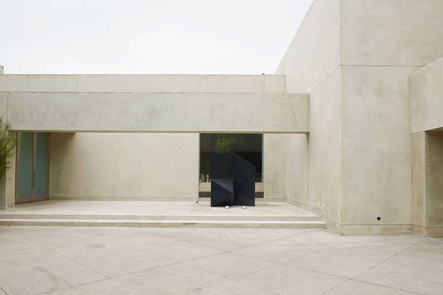 Michael-S-Smith-House-modernist-los-angeles-house-home-garden-10