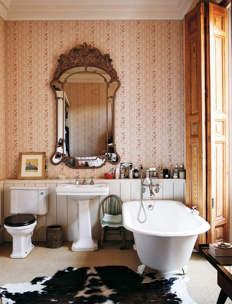 carolina-herrera-baez-junior-home-house-spain-architectural-digest-10-bathroom