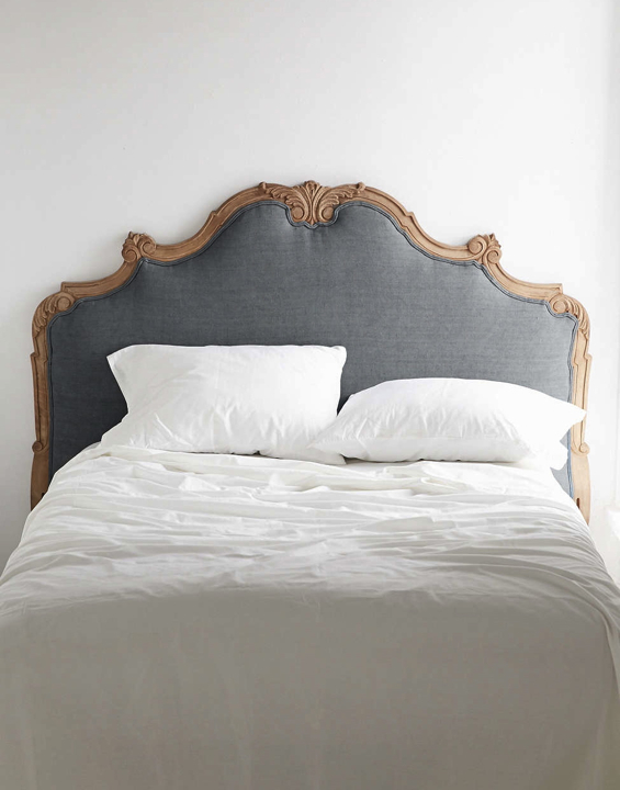 headboard-plum-and-bow