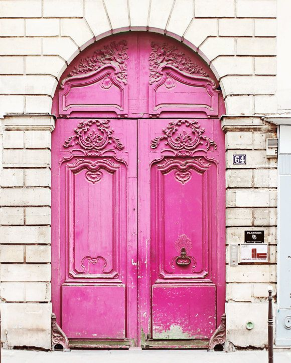 paris-france-pink-door