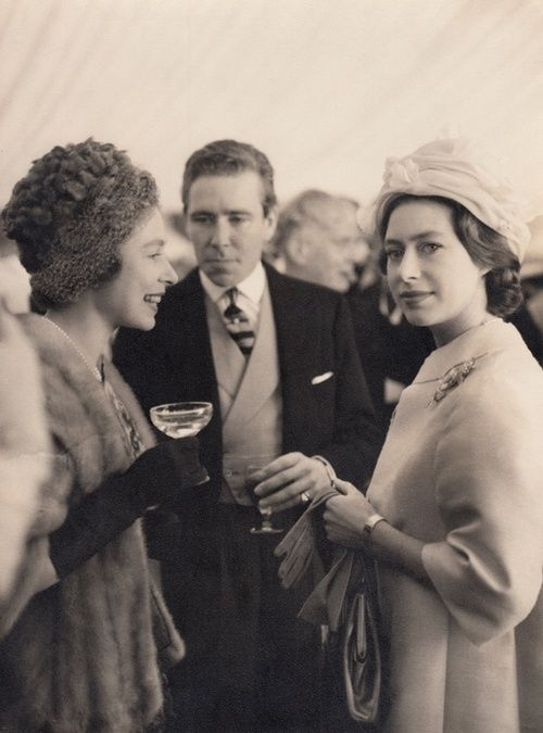 queen-elizabeth-II-princess-margaret