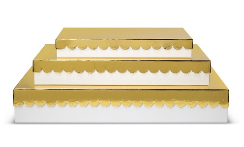 white-gold-scallop-trim-gift-boxes-holiday