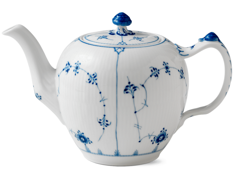 royal-copenhagen-teapot-porcelain-denmark-danish-entertaining-design