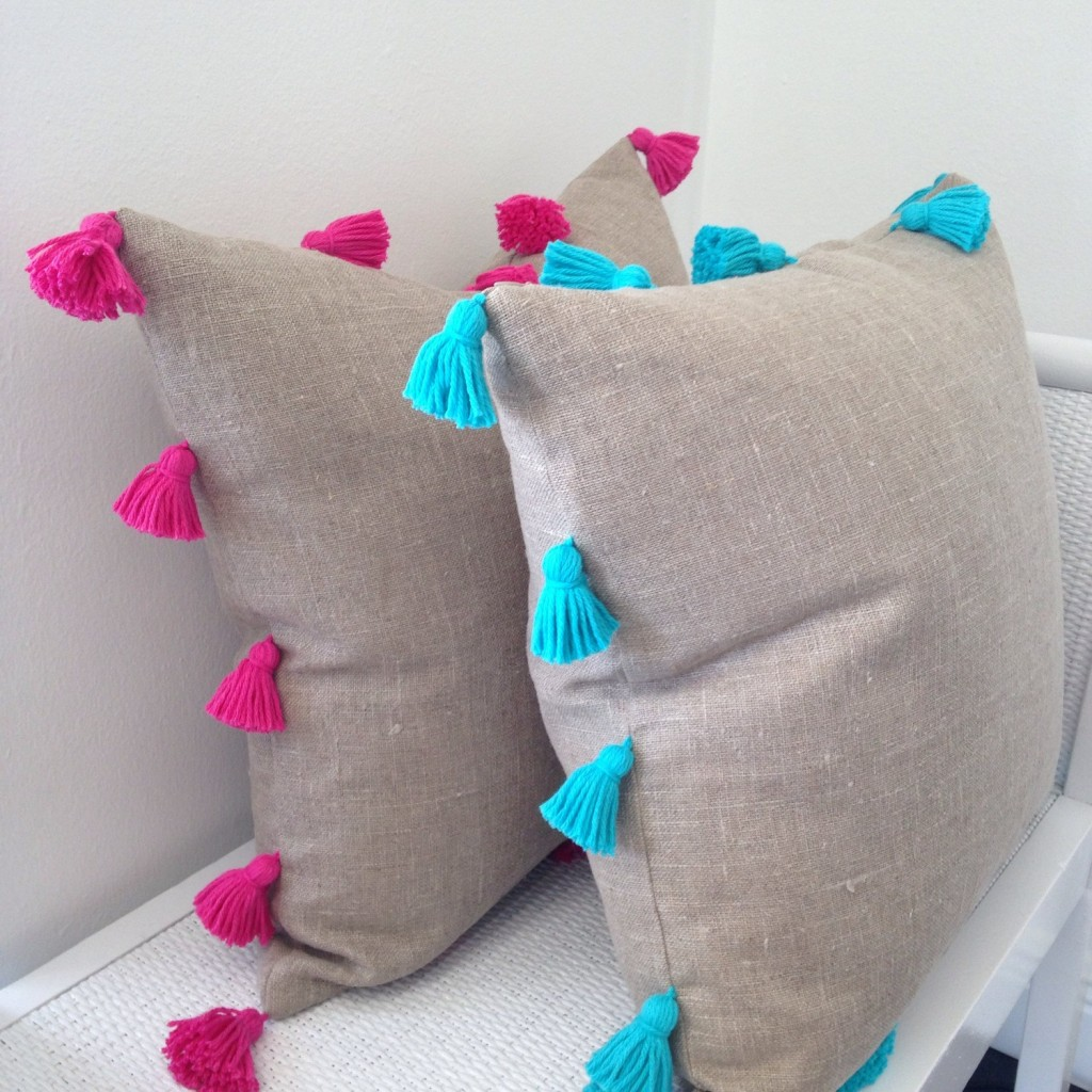 tassel-linen-throw-pillows