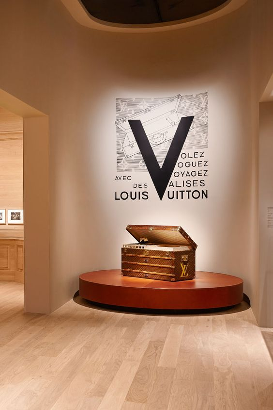 volez-voguez-voyagez-louis-vuitton-exhibition-grand-palais-paris-2