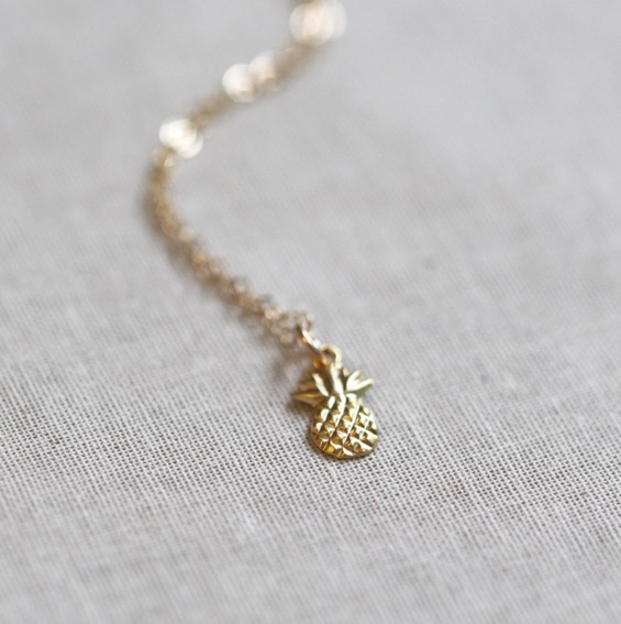 amanda-deer-jewelry-dainting-gold-pineapple-necklace-etsy