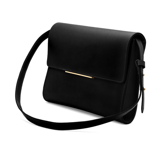 cuyana-convertible-clutch-black
