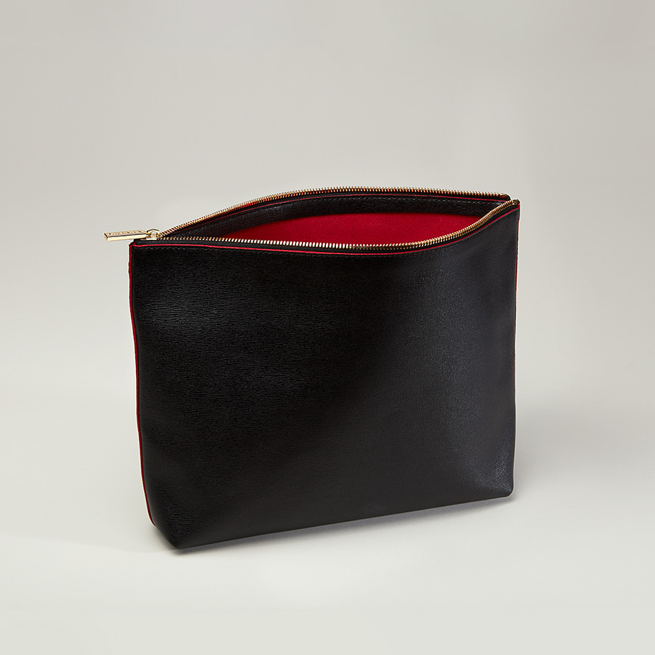 cuyana-large-leather-zipper-pouch-clutch