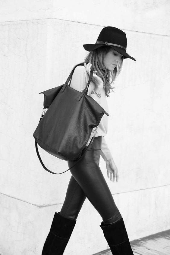 cuyana-leather-tote-bag