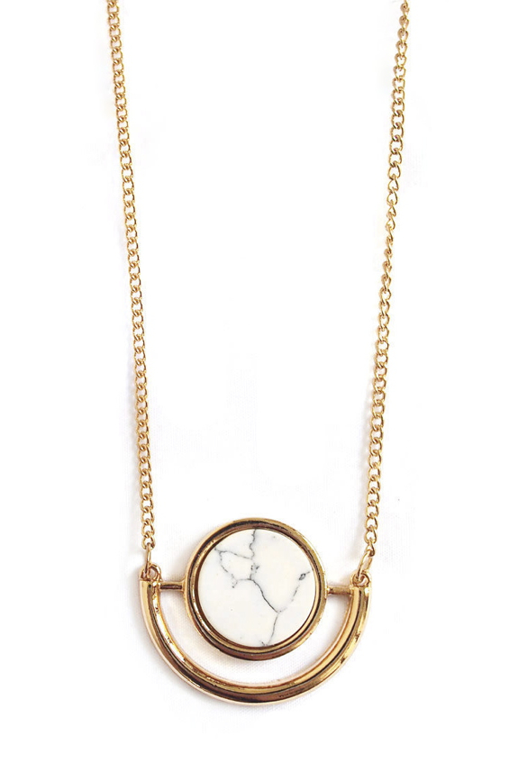 gold-marble-pendant-necklace-minimalist