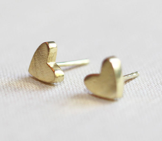 gold-stud-heart-earrings-tiny