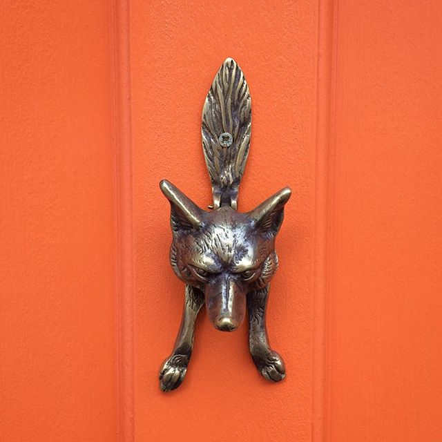 katie-armour-instagram-vintage-brass-door-knocker-fox