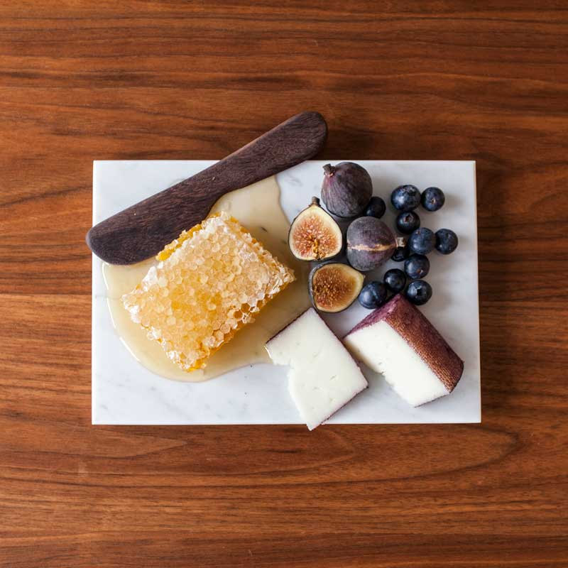 katy-skelton-brooklyn-marble-cheeseboard
