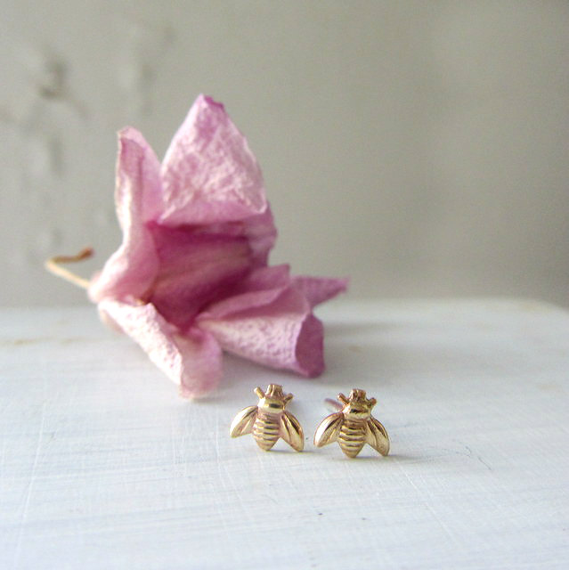 tiny-gold-bumble-bee-earrings-stud-post