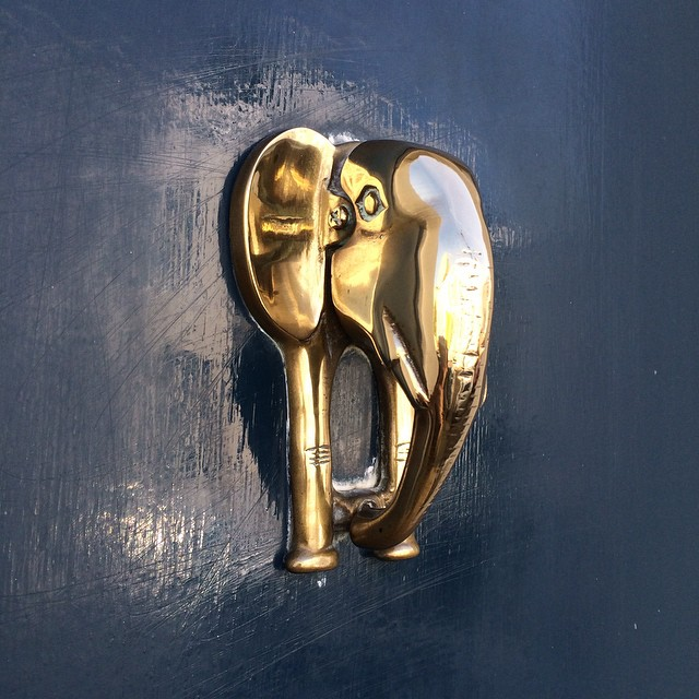 vintage-brass-elephant-door-knocker-london-katie-armour-instagram-gold