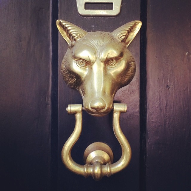vintage-brass-fox-door-knocker-katie-armour-instagram-gold