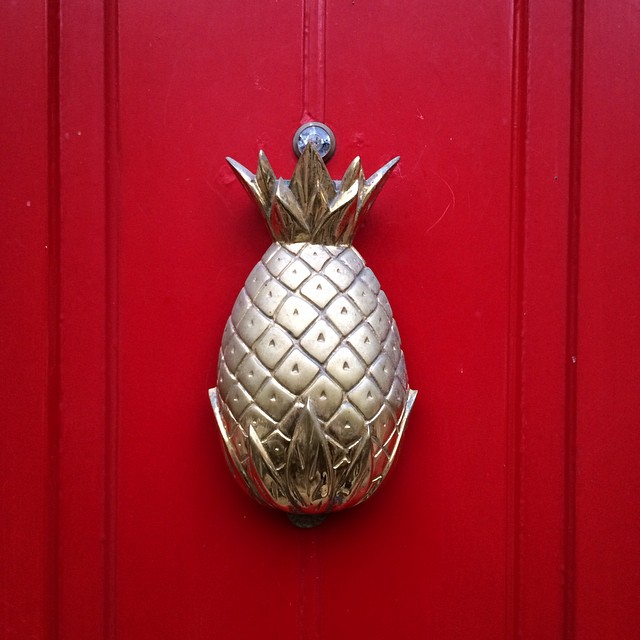 vintage-brass-pineapple-door-knocker-kaite-armour-instagram