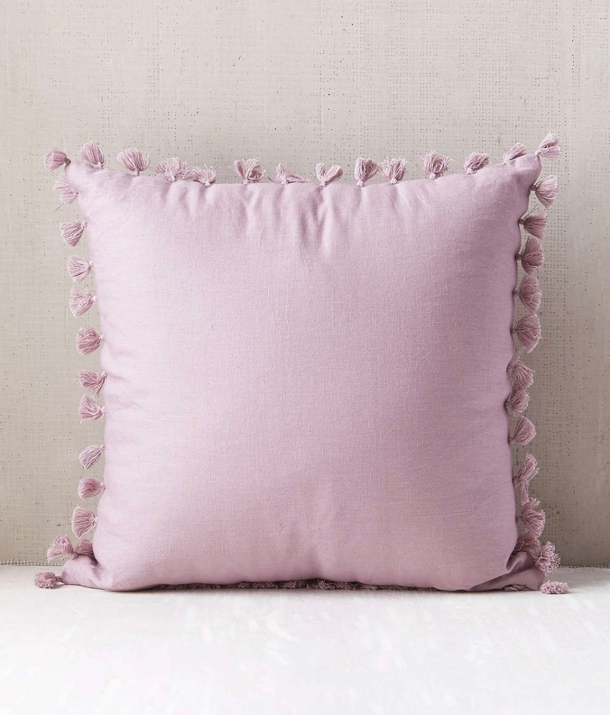 avery-tassel-pillow-urban-outfitters