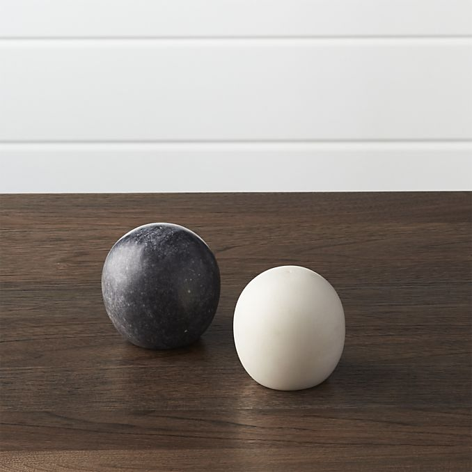 marble-salt-and-pepper-shakers
