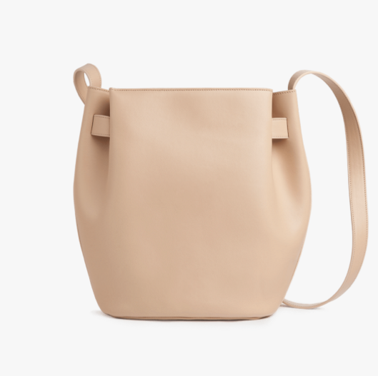 structured-cinch-bag-leather-cuyana-1