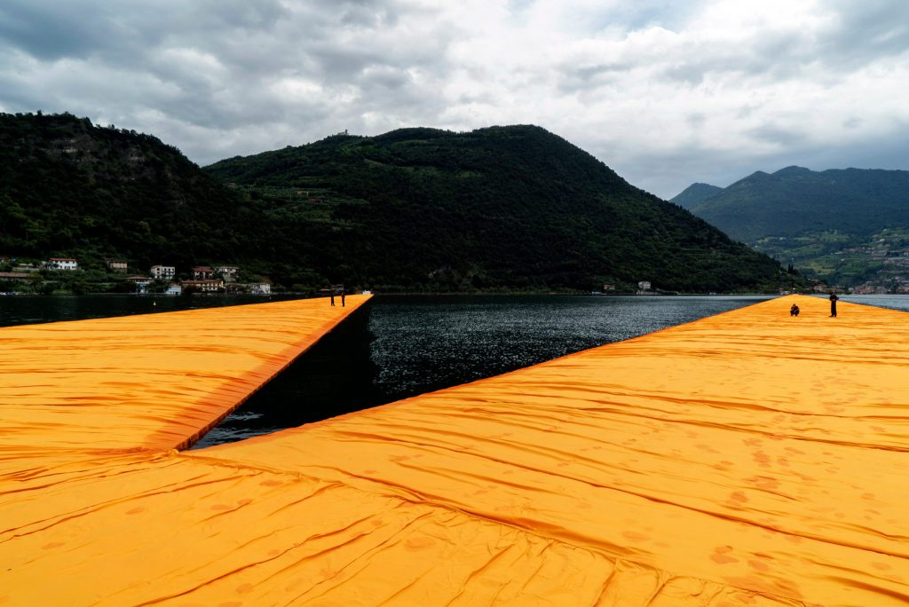 floating-piers-italy-christo-1