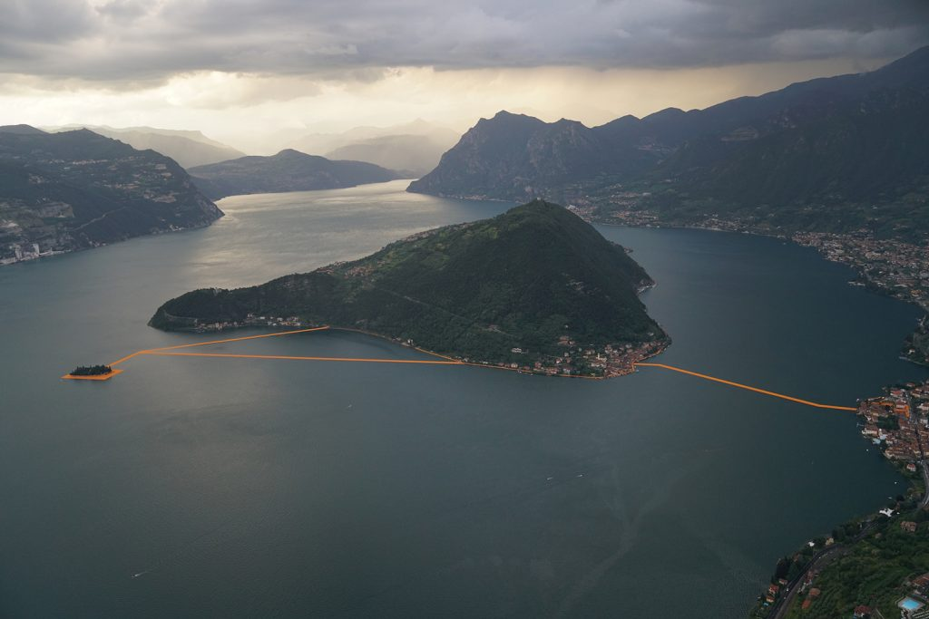 floating-piers-italy-christo-10
