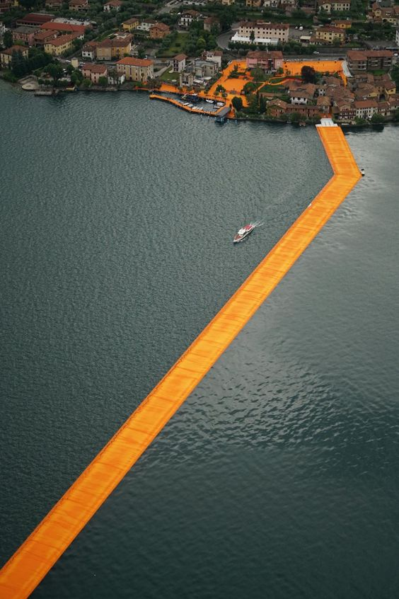 floating-piers-italy-christo-2