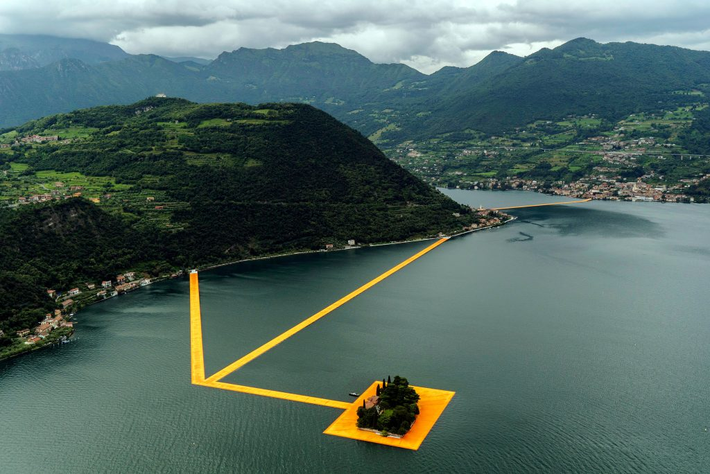 floating-piers-italy-christo-3