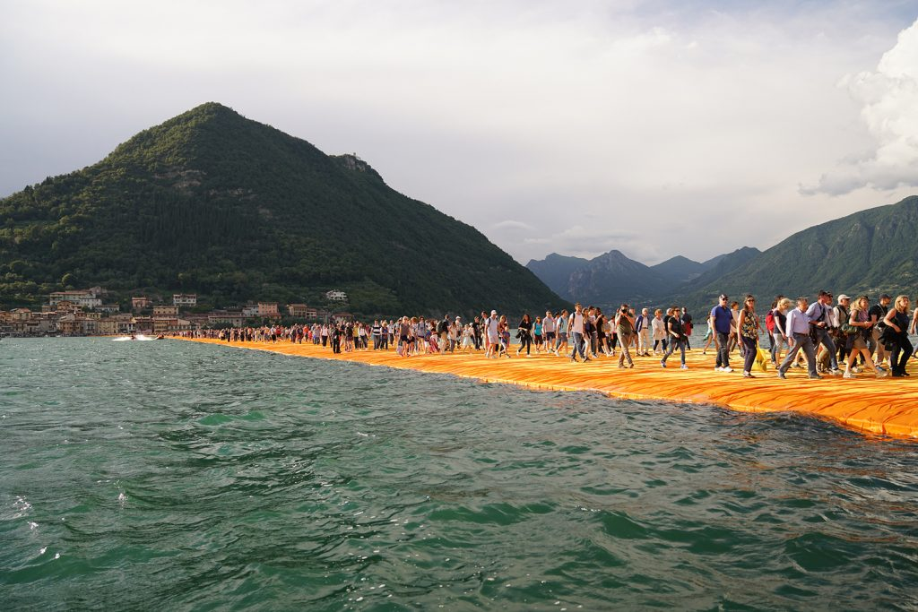 floating-piers-italy-christo-6