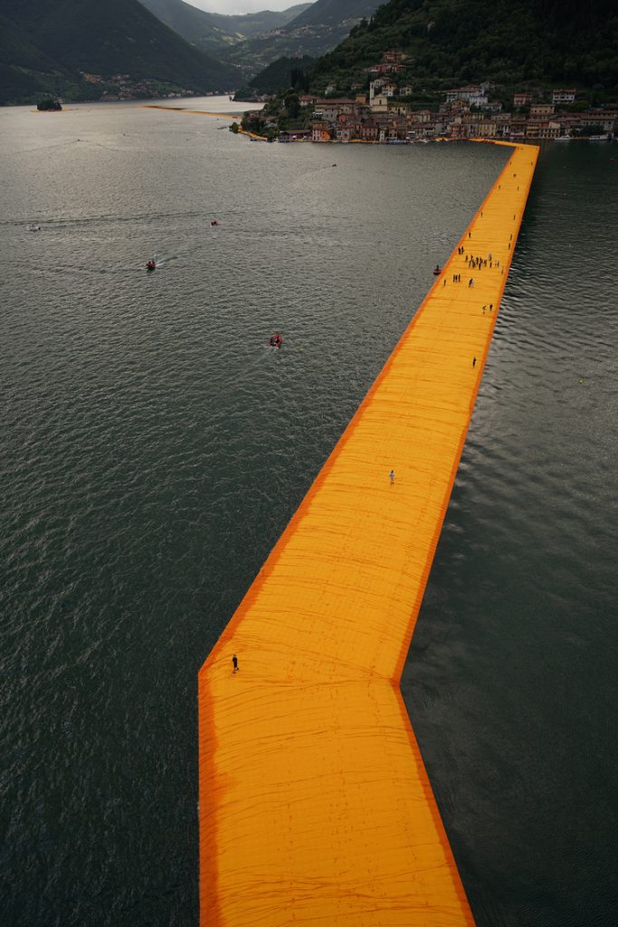 floating-piers-italy-christo-9