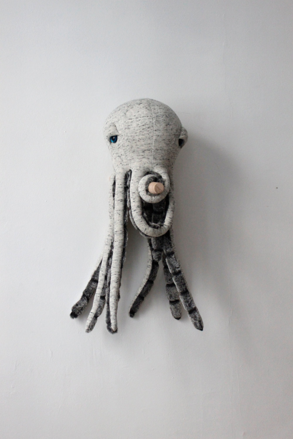 big-stuffed-octopus-animal-etsy-paris-2