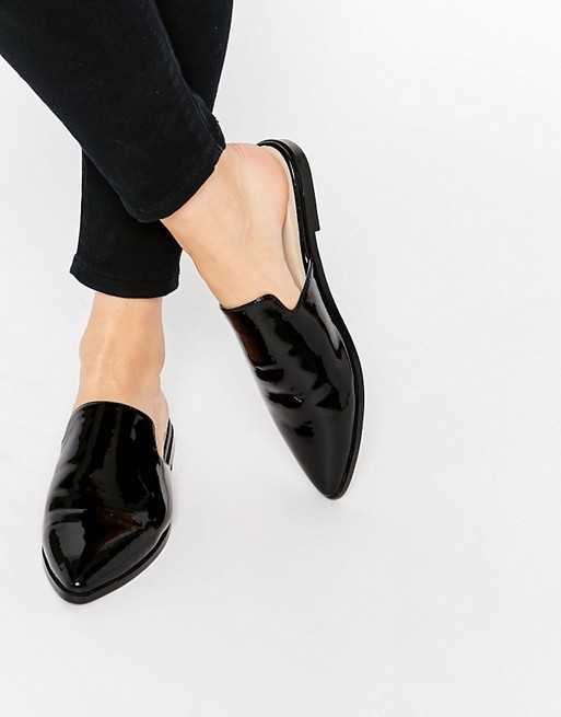 patent-pointed-flat-mules