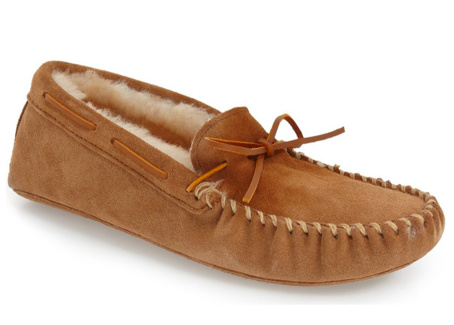minnetonka-shearling-lined-leather-slippers