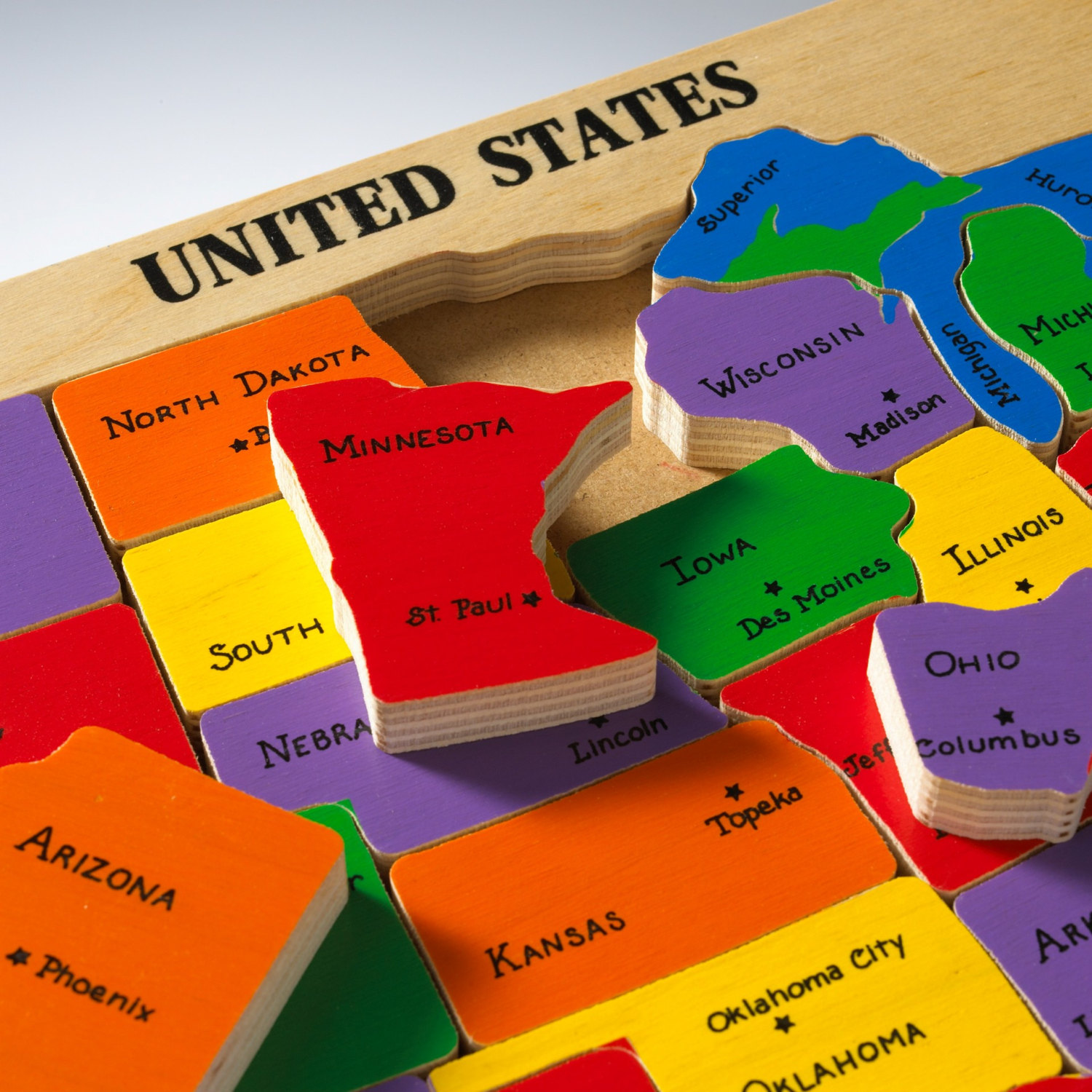 usa-map-wood-puzzle-with-state-capitals