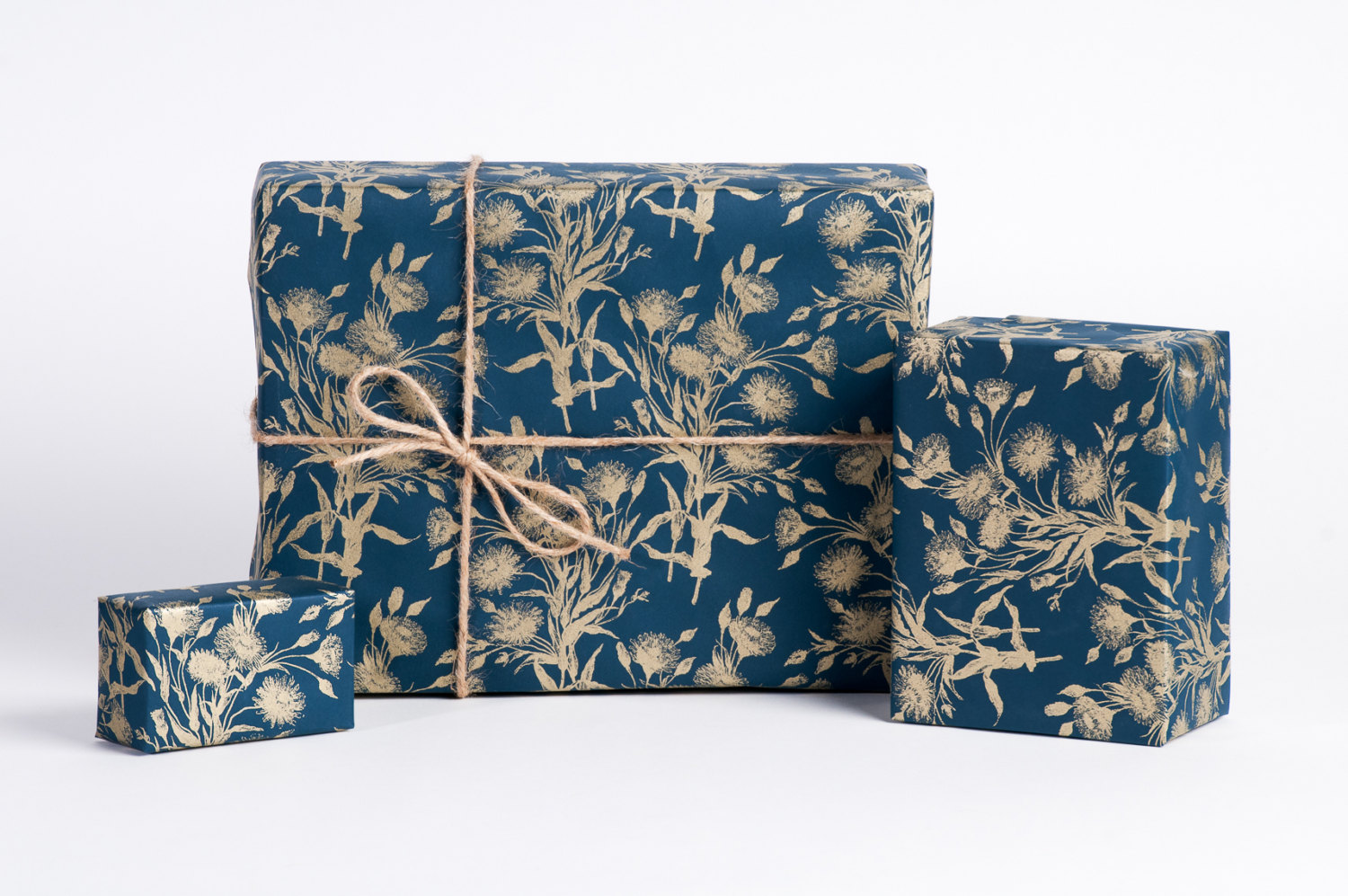 navy-blue-gold-gift-wrap