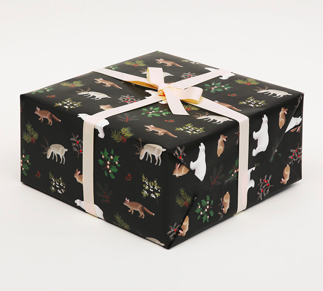 winter-animals-christmas-holiday-wrapping-paper-gift