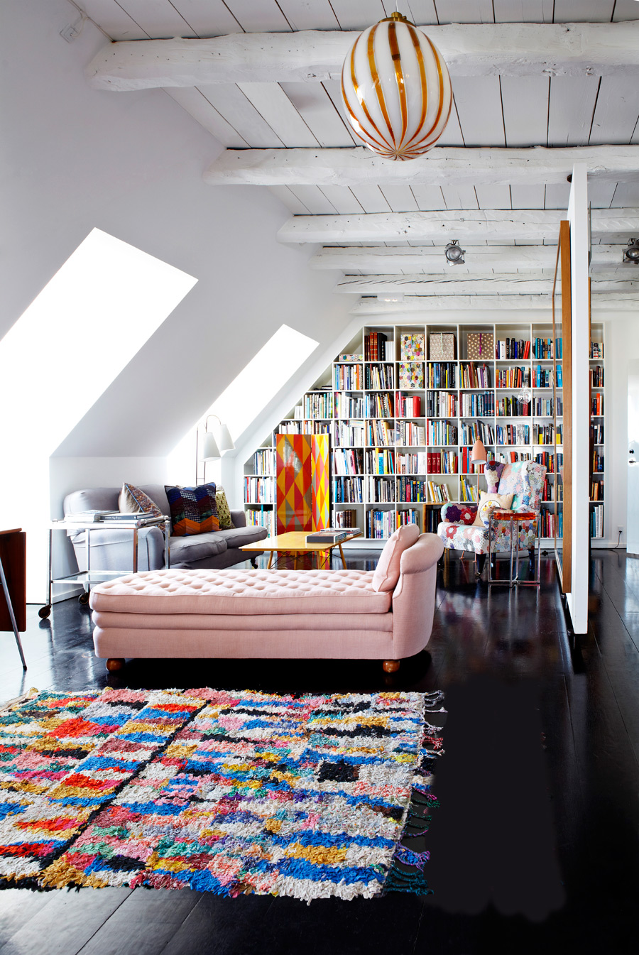 Make A Living Room A Library: 20 Gorgeous Home Libraries
