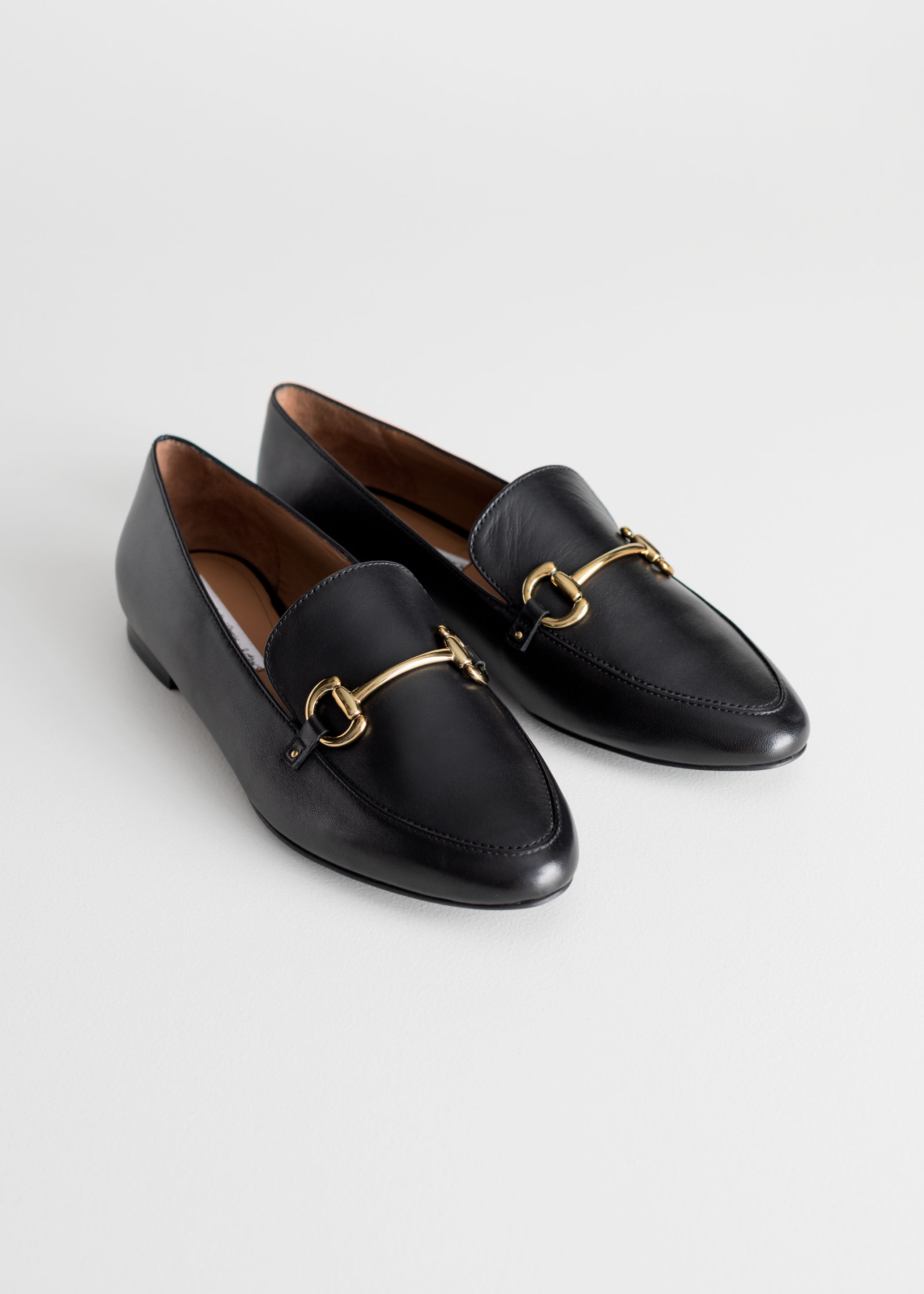 equestrian-buckle-loafer-black-leather