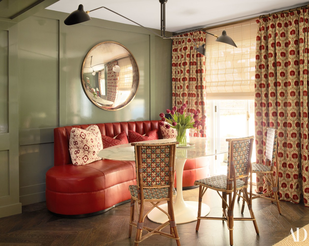 Veere Grenney Nina Flohr London Townhouse Dining Room Serge Mouille Banquette Saarinen Table Lacquered Green Walls Floral Curtains Katie Considers